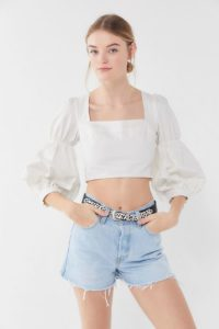 summer trend white statement tops